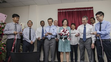 Pictured from left to right are: Jeffrey Len, Tony Teo, Damian Santhanasamy, Pang Weng Fai, Jonas Sjoberg, Sze Pei Lim, Irene Leow, Greg Evans, Sehar Samiappan, and Kenneth Thum.